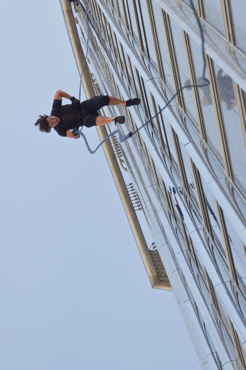 Keine Herausforderung ist ihm zu hoch! Um die Welt vor einem Atomkrieg zu bewahren, riskiert Ethan Hunt (Tom Cruise) nicht nur sein Leben ... - Bildquelle: 2011 Paramount Pictures.  All Rights Reserved.