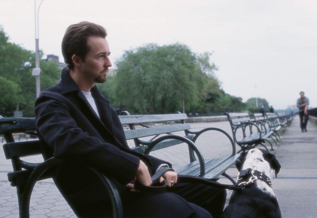 In 25 Stunden muss Drogendealer Monty (Edward Norton) eine siebenjährige Haftstrafe antreten. Er beschließt, seinen letzten Tag in Freiheit zu nutze... - Bildquelle: Touchstone Pictures