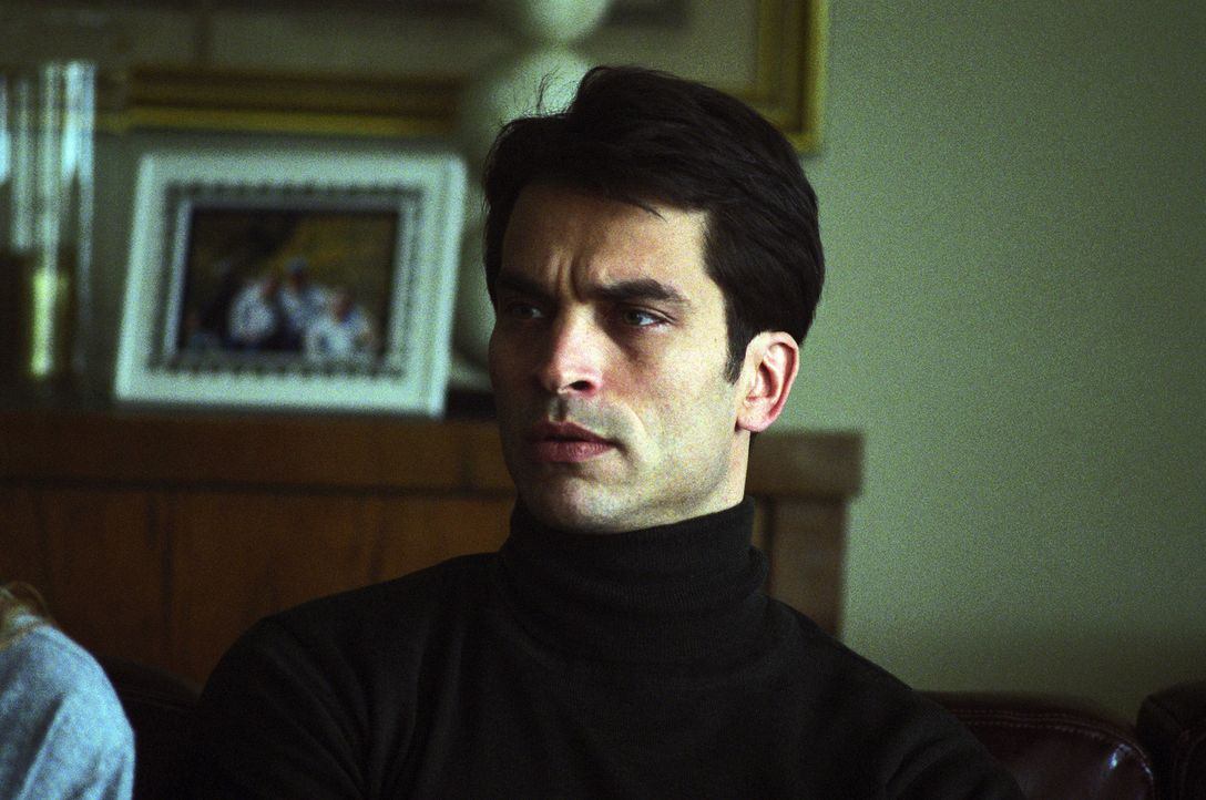 Der Diplomat David Huxley (Johnathon Schaech) verbringt mit seiner Verlobten Tish und einer verführerischen Fremden ein erotisches Wochenende in Bu... - Bildquelle: 2005 Sony Pictures Home Entertainment Inc. All Rights Reserved.