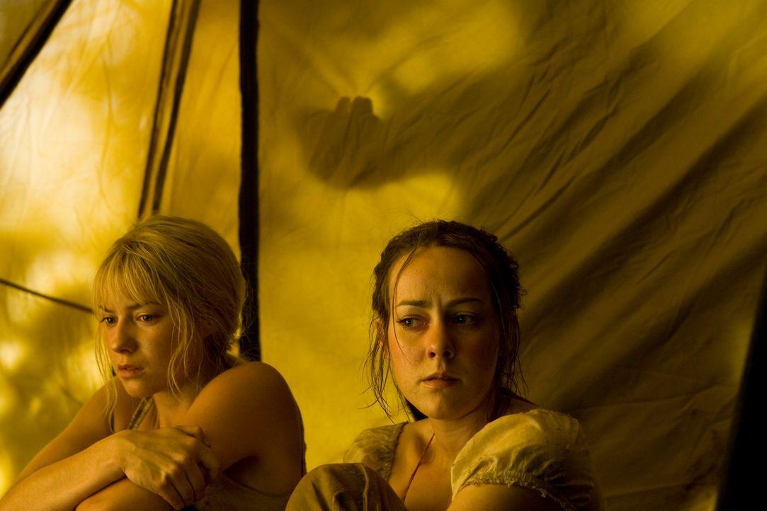 Als Amy (Jena Malone, r.), Stacy (Laura Ramsey, l.) und ihre Freunde den Pool-Landschaften Cancúns den Rücken kehren und stattdessen einer geheimnis... - Bildquelle: Sam Urdank 2008 DreamWorks LLC. All Rights Reserved.