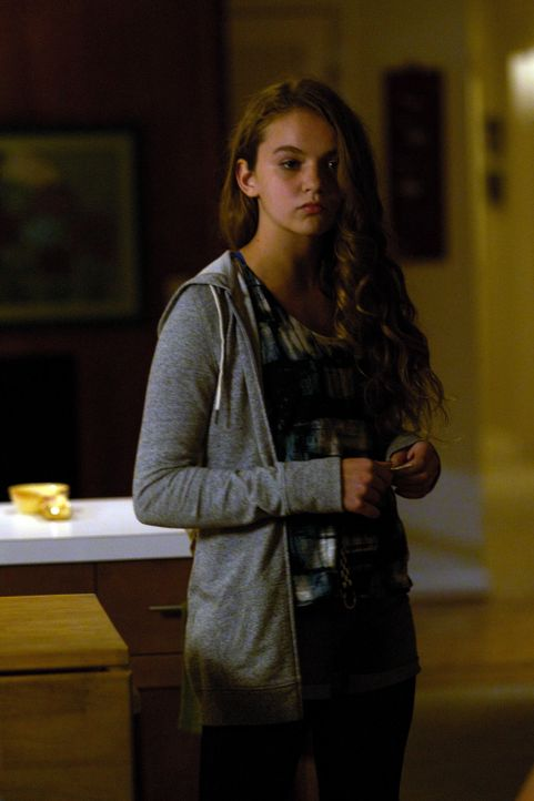Noch wahrt Dana (Morgan Saylor) das Geheimnis ihrer Mutter ... - Bildquelle: 2011 Twentieth Century Fox Film Corporation. All rights reserved.