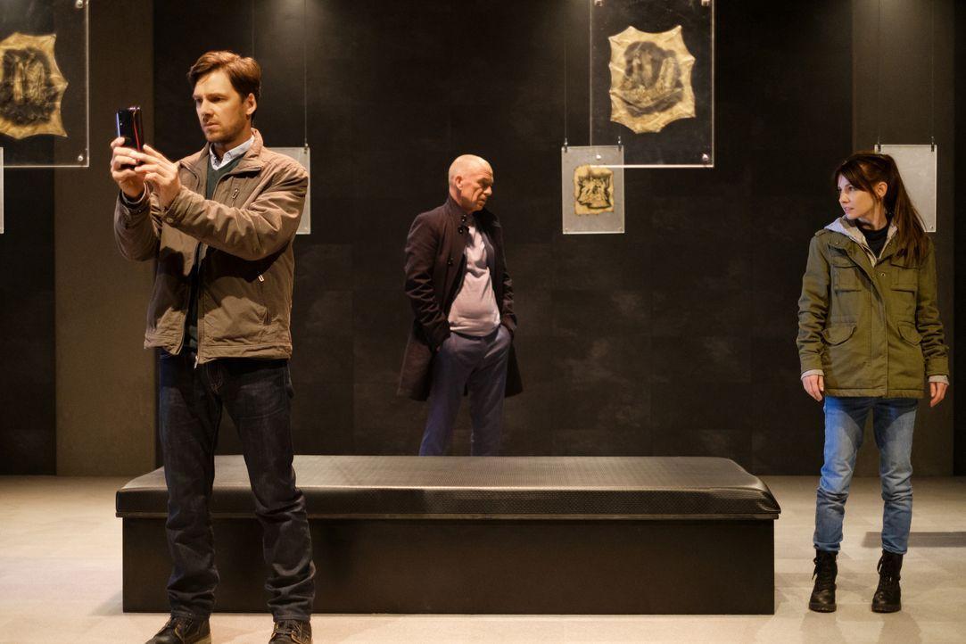 (v.l.n.r.) Ben Kohler (Stefan Pohl); Maarten S. Sneijder (Raymond Thiry); Sabine Nemez (Josefine Preuß) - Bildquelle: Petro Domenigg SAT.1 / Petro Domenigg
