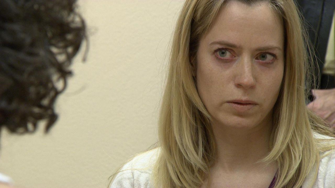 Als ihr Freund Cem der Vergewaltigung bezichtigt wird, weiß Andrea Huber nicht, ob sie seinen Unschuldsbeteuerungen Glauben schenken soll ... - Bildquelle: SAT.1
