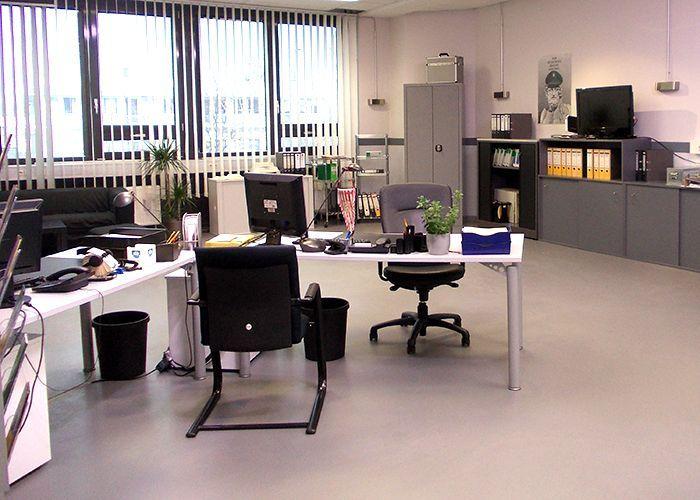 k11-130108-gerrits-und-roberts-arbeitsplatz-02_SAT - Bildquelle: Constantin Entertainment GmbH/SAT.1